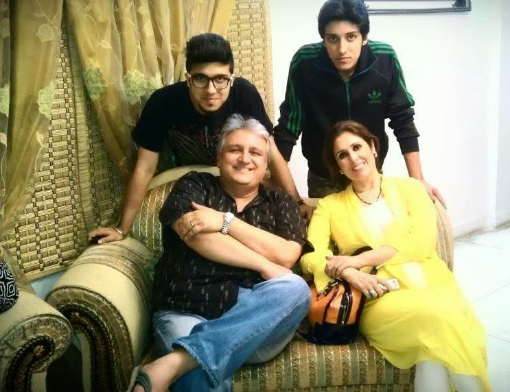 Family Pics Of Famous Pakistani Celebrities With Children