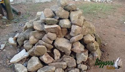 Pedra para pilar de pedra com pedra moledo.