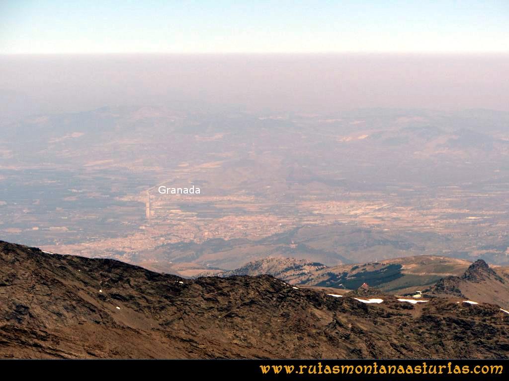 Ruta Posiciones del Veleta - Mulhacén: Vista de Granada desde el Mulhacén