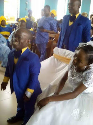 Weeks after photos from their Introduction went viral, Nigerian Pastor of short stature weds his fiancee (photos)