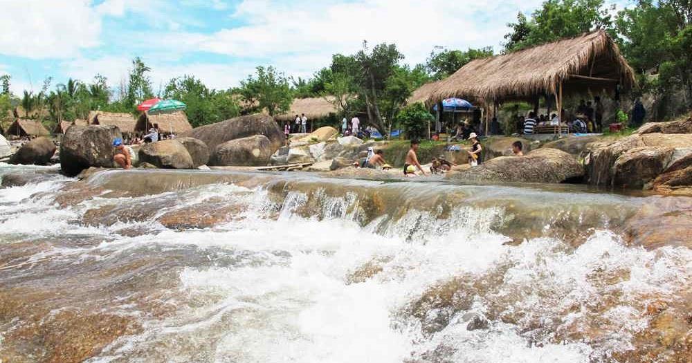 Kết quả hình ảnh cho khu du lịch waterland suối thạch lâm