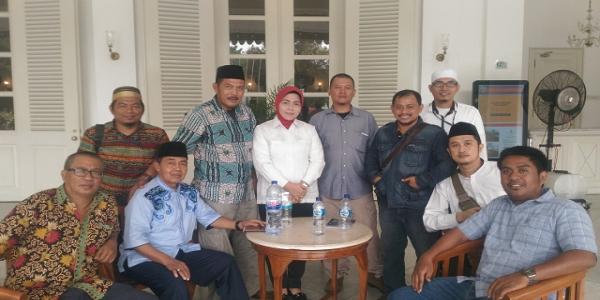 MANTAP! Bantah FRAMING JAHAT Media, Warga: Anies-Sandi Sangat Welcome