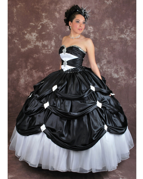 35b7740ad Quinceanera Dresses in Houston  Traditional and Modern 15 Dresses