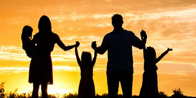imagem de uma família