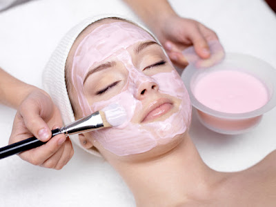Diamond Facial karwaane ke fayde.  Benefits of Diamond Facial in Hindi/Urdu.