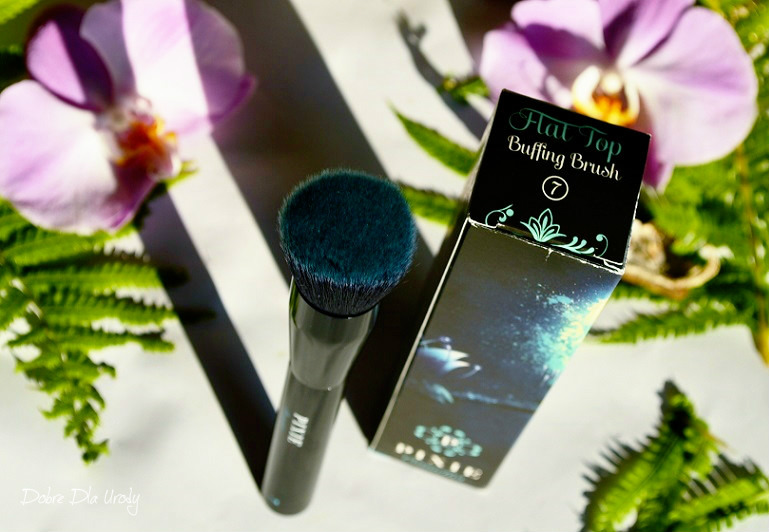 Pędzel do twarzy Flat Top Buffing Brush Pixie Cosmetics