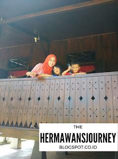 Travelling; Belitung; SD Muhamadiah Gantung; Museum Kata Andrea Hirata; Rumah Batik Ahok; Pantai Burung Mandi; Vihara Dewi Kwan Im; BW Suite Belitung; Pantai Pasir; Pantai Batu Berlayar; Pulau Kepayang; Pulau Lengkuas; Pantai Tanjung Tinggi; Pantai Laskar Pelangi; Danau Kaolin; Rumah Adat Belitung; Bakmi Atep, Wisata Belitung, Hotel Belitung, BW Suite Belitung, Travel Belitung Cantik