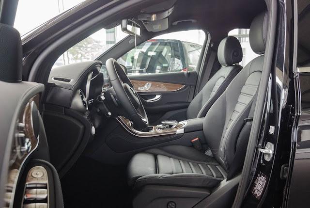 Ghế ngồi Mercedes GLC 250 4MATIC thiết kế rộng rãi, thoải mái