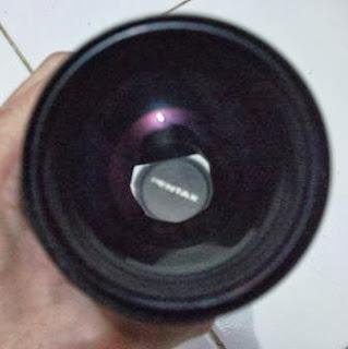 Bagian depan lensa Pentax 200mm f/4