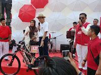 Ikuti Jejak Jokowi, Yasona Laoly Buat Kuis Berhadiah Sepeda