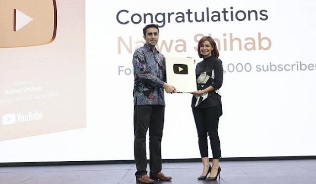 "Najwa Shihab Dapat ""Gold Play Button"" Dari Youtube"