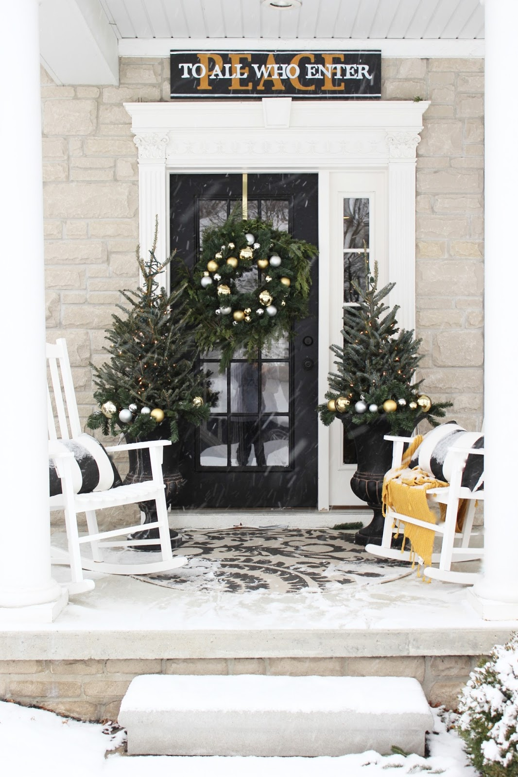 for instance i love to use fresh greens at the entrance of our home to welcome guests with the scents and live textures of the season - Yellow Home 2016
