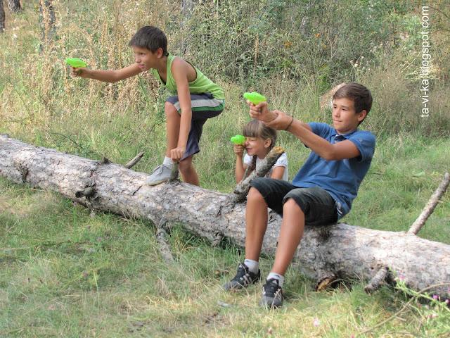 день прождения мальчика-подростка: игра в войнушки