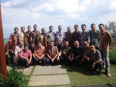 Raden Agus Suparman dan penyidik pajak Bandung