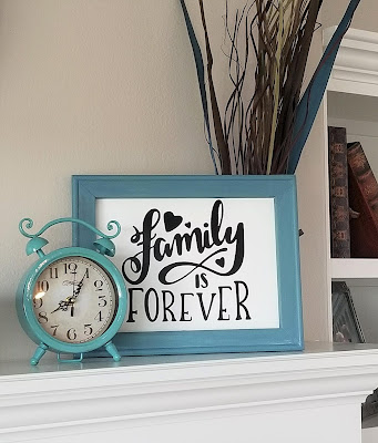 How to make a reverse canvas with the Cricut EasyPress and heat transfer vinyl