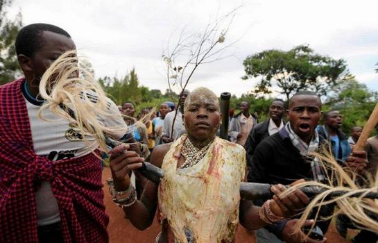 Upacara Bersunat Cara Tradisi Orang Kenya
