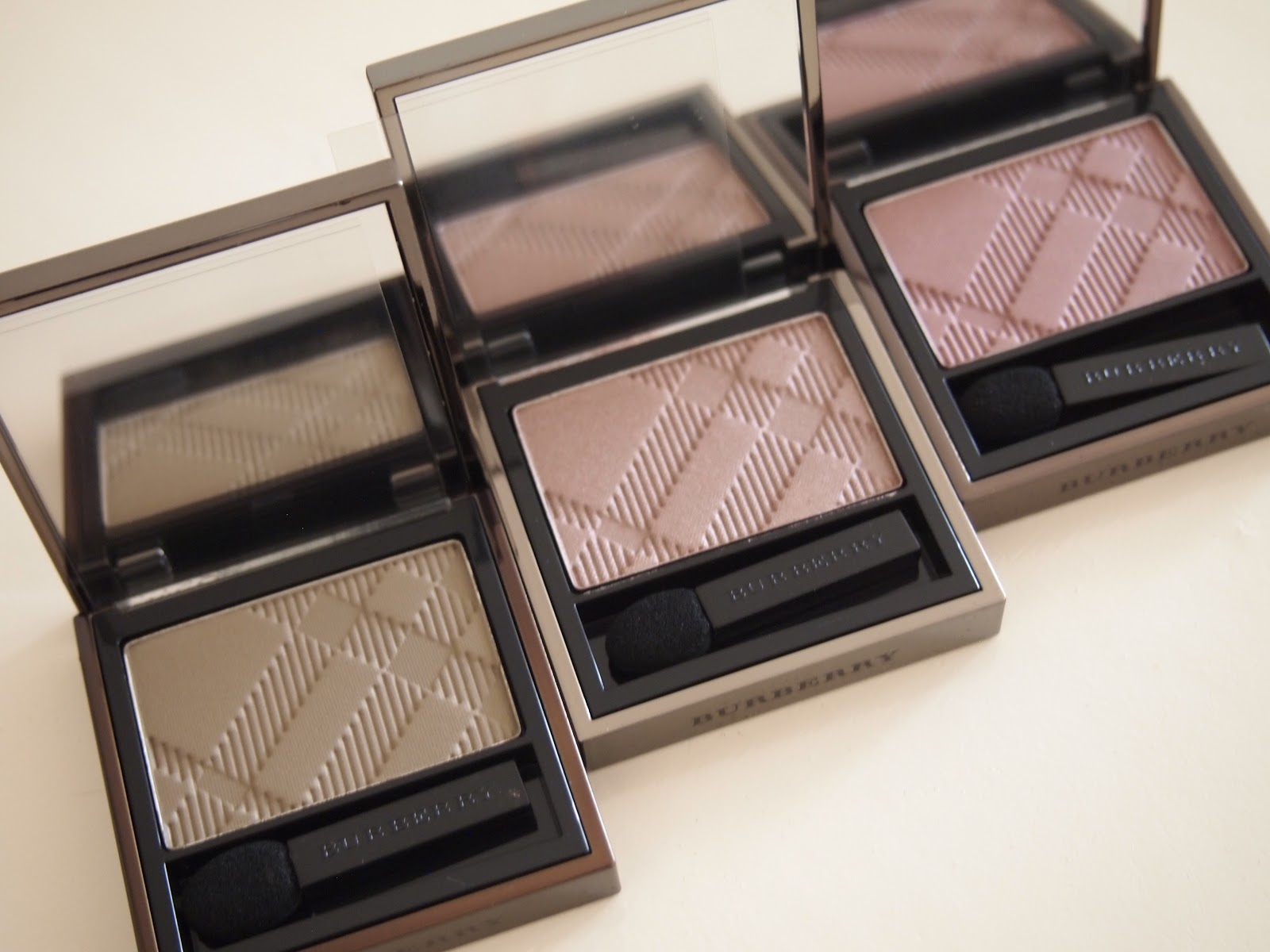 Burberry Sheer Eyeshadow In Khaki Rosewood And Antique Rose
