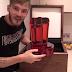 Youtuber recebe placa de Rubi após atingir 50 milhões de inscritos