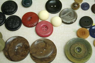 Vintage buttons: Big and small, simple and complex, colourful or neutral:: All Pretty Things