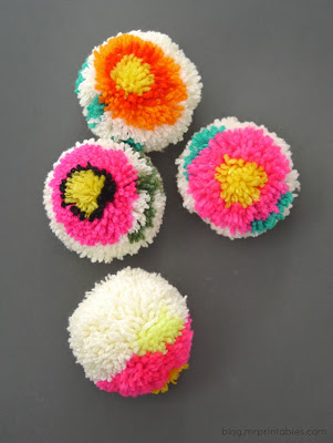 How To Make Flower Yarn Pom Poms