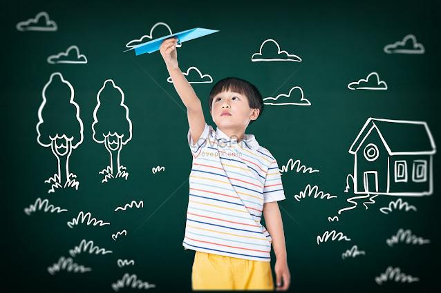 Trẻ em cần có quyền được chơi thay vì phải cố bắt buộc học chữ quá sớm