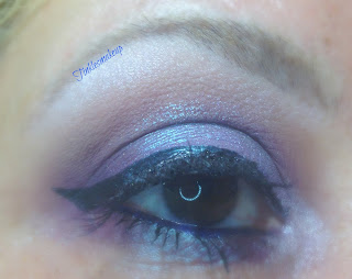 eye_makeup_look_silver_plum