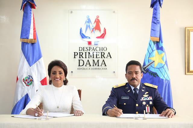 En beneficio de la población, Despacho Primera Dama y CESAC firman convenio