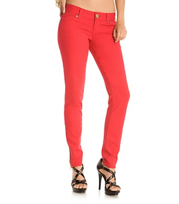 How to Wear Colored Skinny Jeans to Look Hot and Stylish