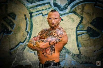 Ivo Cuk , pugile croato dedica un tatuaggio all'Albania