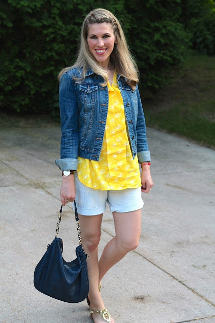 how to wear yellow, yellow skirt, yellow top, striped yellow top, yellow belt, yellow clutch