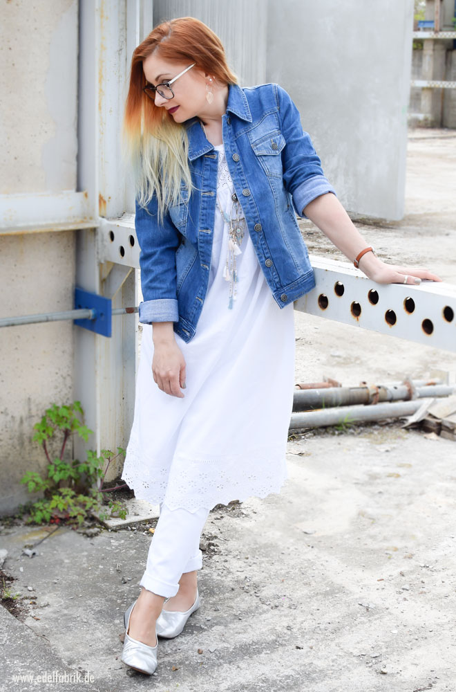 Weiße Jeanshose, hellblaue Jeansjacke Tchibo Kollektion