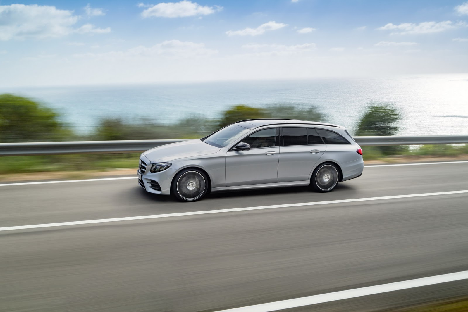 2017-Mercedes-Estate-E-Class-44.jpg