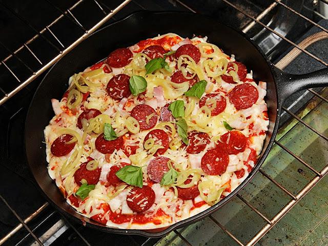 gambar cara membuat pizza dengan teflon