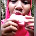Mundo: Gravida com desejo bizarro grava vídeo comendo barra de sabão