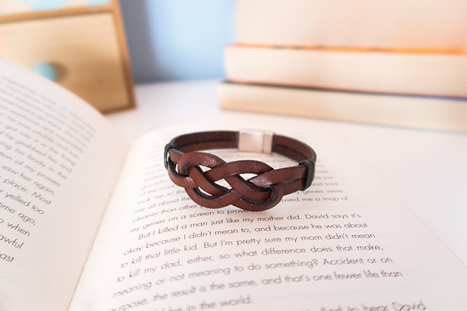How to make an Infinity Knot | DIY Infinity Knot Bracelet