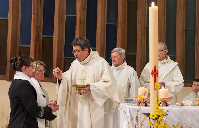 première communion baptême à Paron yonne