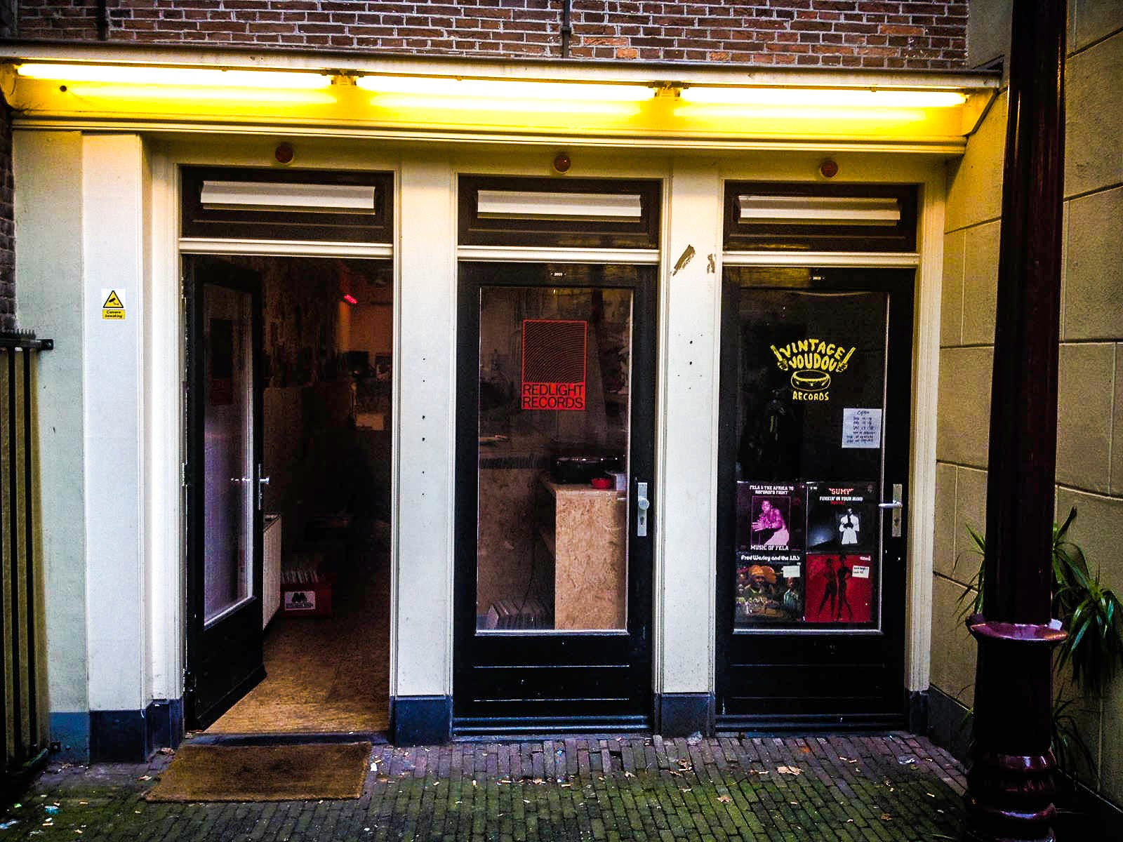 Amsterdam Redlight Records & Vintage Voudou art sound disquaires europe musique