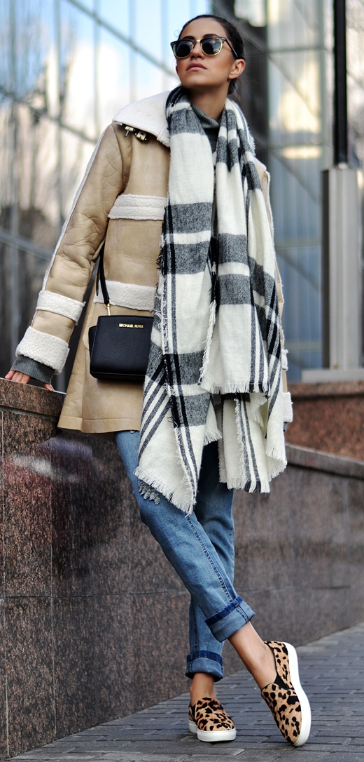fall outfit inspiration / scarf + bag + nude jacket + jeans + animal printed shoes
