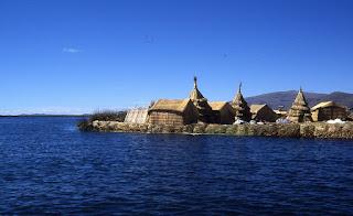 les îles flottantes des Uros