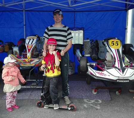 karting kisoissa perhe harrastaa