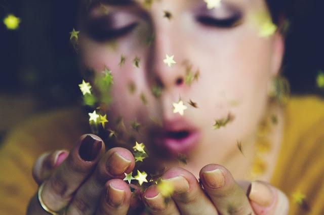 Sternenwunder, wunderland, wunder, die nacht, das leben, belohnung, vorherbestimmt, glück, liebe, goldenes leuchten, träume, funkelnde sterne, sternennacht, worte, gedanken, poetische texte, silberstunden poesie blog, lyrik, schreiben, writing, bild, foto