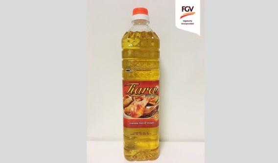 Selain itu, minyak masak sawit dalam botol dengan saiz 1 liter itu dipasarkan dengan jenama Tiara dan dijual dengan harga RM2.95 seunit.  Dengan usaha DOPSB yang memperkenalkan minyak masak sawit bersubsidi dalam botol ini adalah dibawah program subsidi minyak masak sawit yang dilaksanakan oleh Kementerian Perdagangan Dalam Negeri, Koperasi dan Kepenggunaan (KPDNKK).  Kini, minyak masak sawit bersubsidi jenama Tiara boleh didapati di rangkaian pasaraya-pasaraya The Store dan AEON BIG di kawasan Lembah Klang. Akan datang, penjualan minyak masak ini akan diperluaskan ke pasaraya-pasaraya lain.  -pru14.tv-