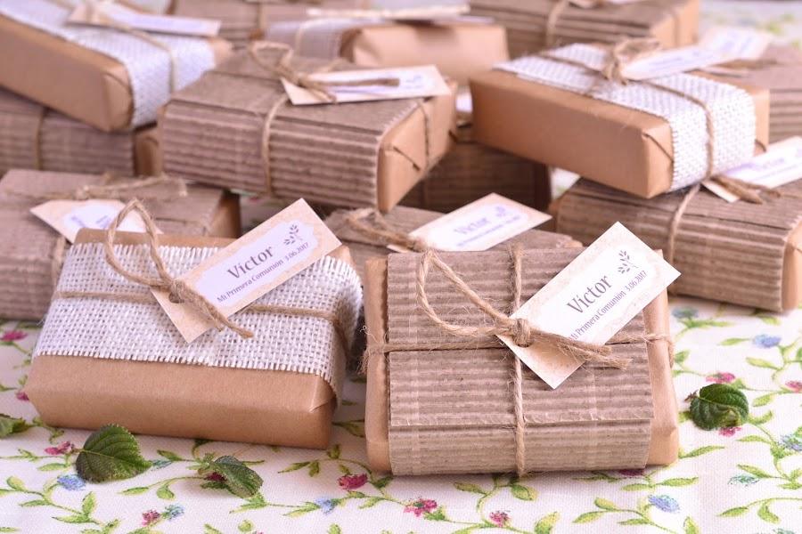 Detalles de comunion boda para hombres y mujeres jabones hechos a mano