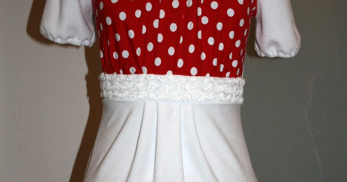 fb93eebd04db RIKKEFONSEN  Damekjole i hvit chenille med roser og prikker