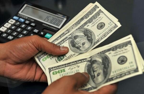 كيف ينخفض سعر الدولار مقابل الجنيه المصري؟