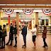 Εκλογές ΗΠΑ live: Με το βλέμμα στραμμένο στην κάλπη - Κατά χιλιάδες συρρέουν για να ψηφίσουν οι Αμερικανοί