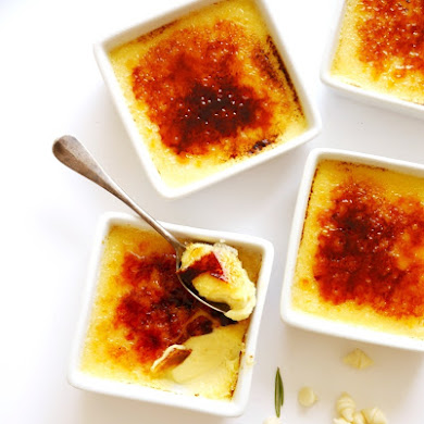 White Chocolate & Rosemary Crème Brulée Recipe