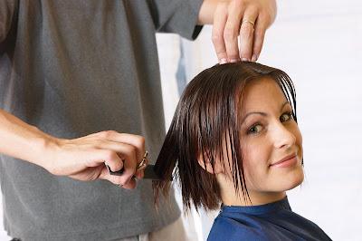 les bienfaits de couper les cheveux régulièrement