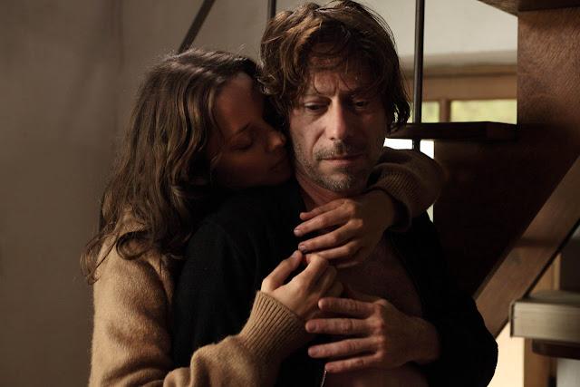 Marion Cotillard (Carlotta) et Mathieu Amalric (Ismaël) dans Les Fantômes d'Ismaël d'Arnaud Desplechin (2017)