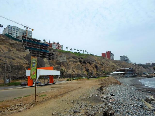 Acantilados invadidos, Miraflores